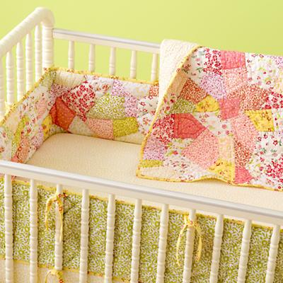 010130_PatchworkCribBedding_0702W