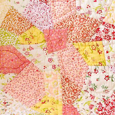 0101314_PuzzlePatchCrib_quilt_07S2