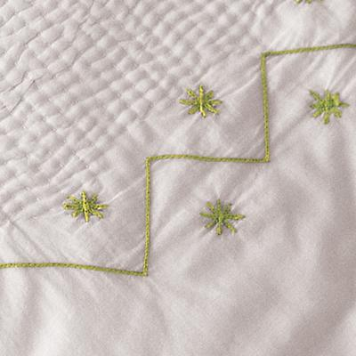 Embroidered Bassinet Coverlet (Green)
