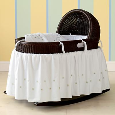 Espresso Nod Bassinet & Green Bedding Set