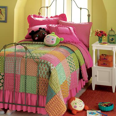 3002011_GirlsPatchworkBedding_06W1