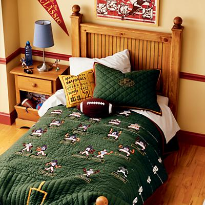 300202_FootballBedding_06F1