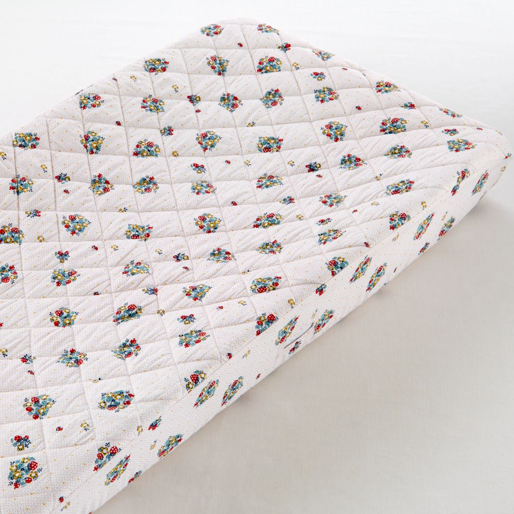 Changer Pad Cover (Strawberry Print)