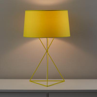 586005_Lamp_Table_Isoceles_YE_On