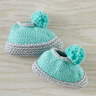 Apparel_Booties_PomPom_AQ_594856_V1