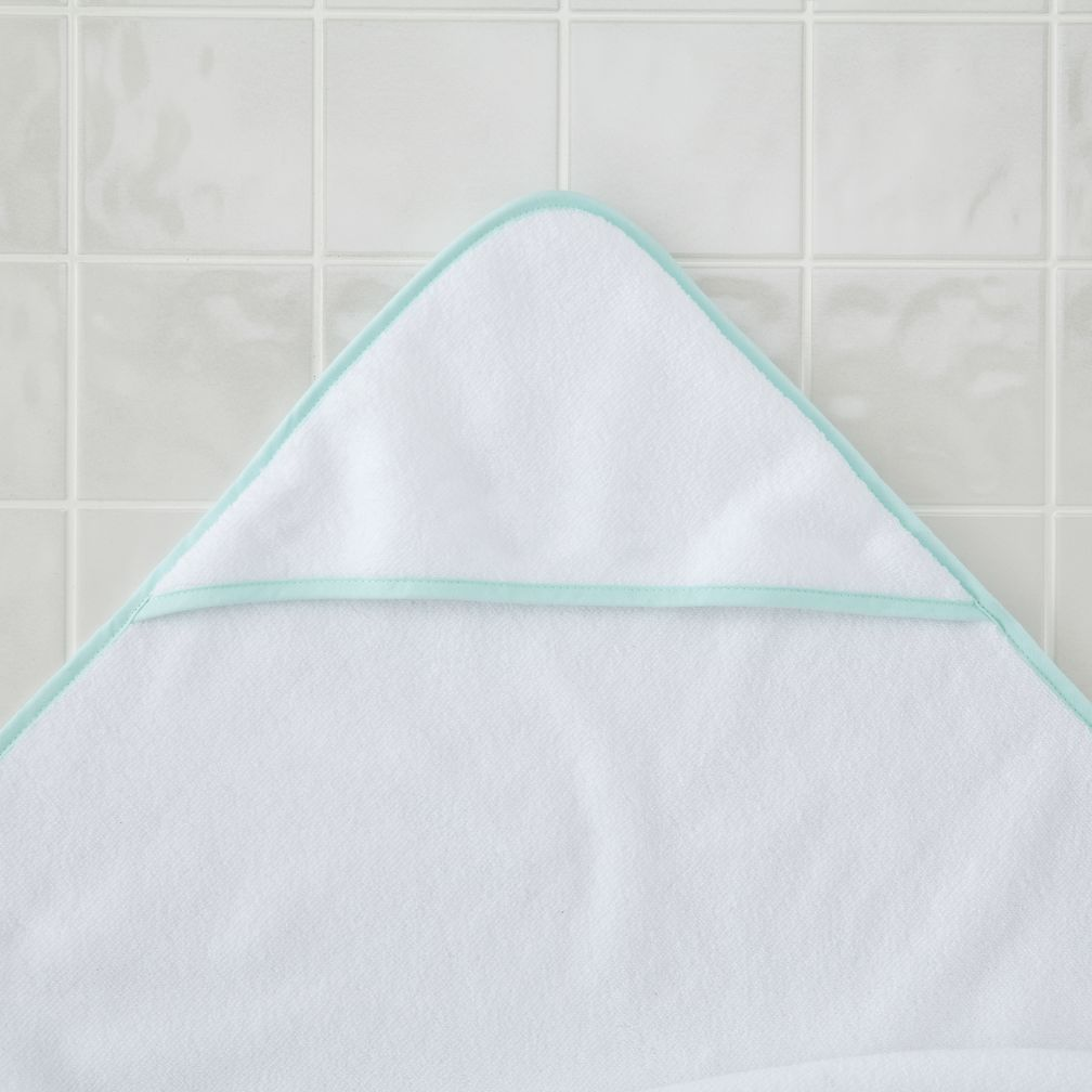 Fresh Start Hooded Towel (Lt. Green)