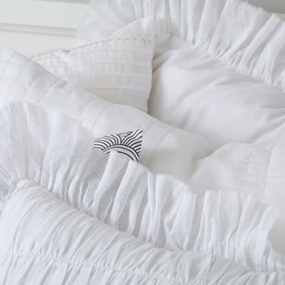 Bedding_Antique_Chic-WH_Group_Details_V8