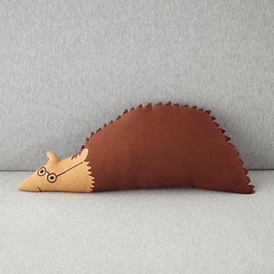 Bedding_CR_Blanca_Pillow_Hedgehog_0112