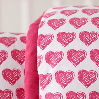 Bedding_CR_FinePrint_Hearts_Details_02