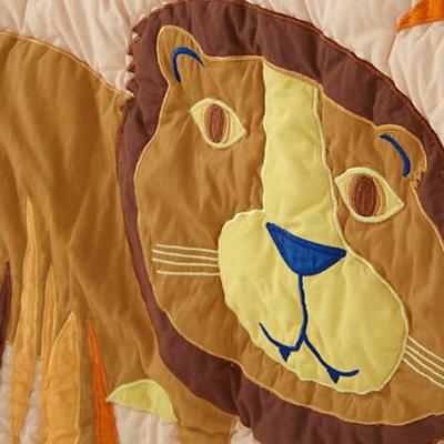 Bedding_CR_Lions_Tigers_Detail_v1