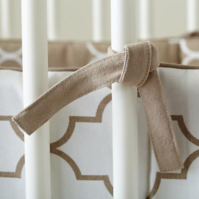 Bedding_Crib_InTheMix_KH_Detail_02_1111