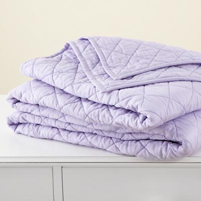 Bedding_MovingBlanket_Quilt_LAV_1211