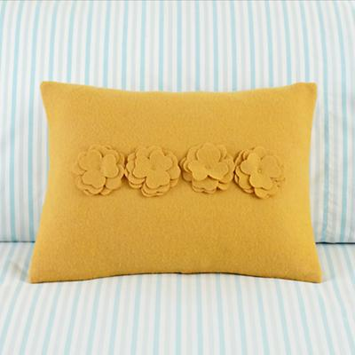 Bedding_Pillow_DieCut_YE_1111