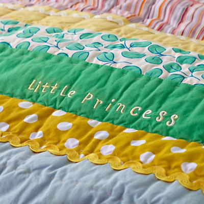 Bedding_PrincessPea_Detail01