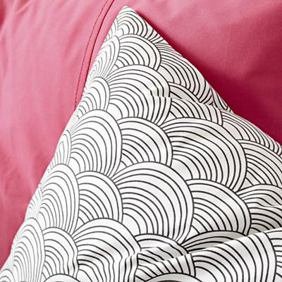 Bedding_Scalloped_GY_Detail_08