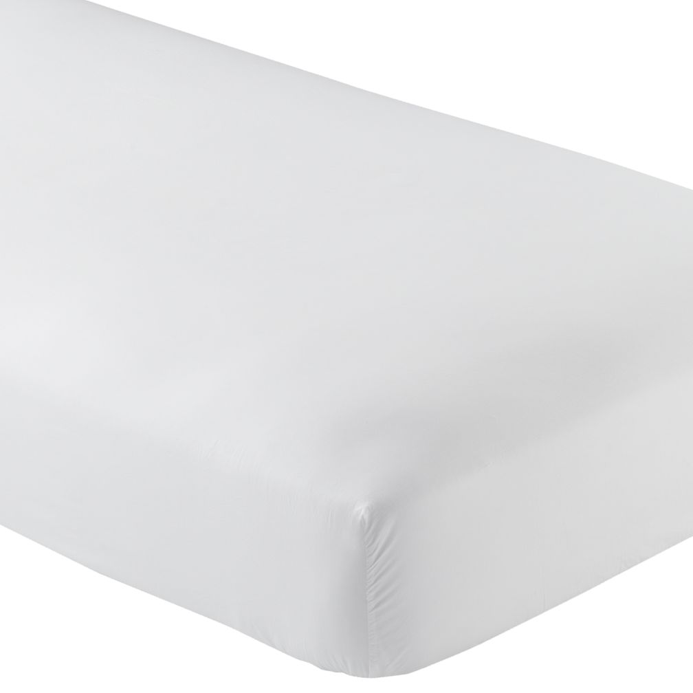 Full White Fitted Sheet<br />