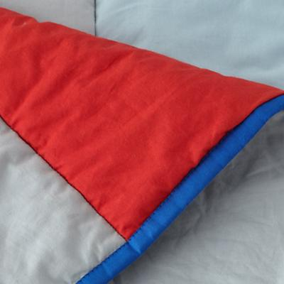 Bedding_SolidStripes_Dertails_06