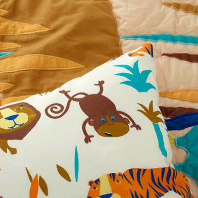 Bedding_TDLR_Lions_Tigers_Detail_v5