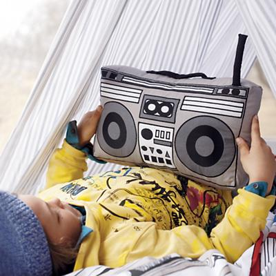BoomboxThrowPillow_VIR_Cat0712