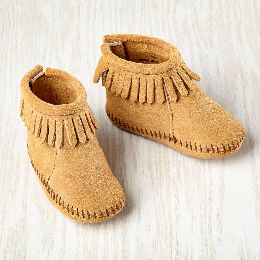 3-6 mos. Minnetonka® Velcro® Back Fringe Boot (Tan)