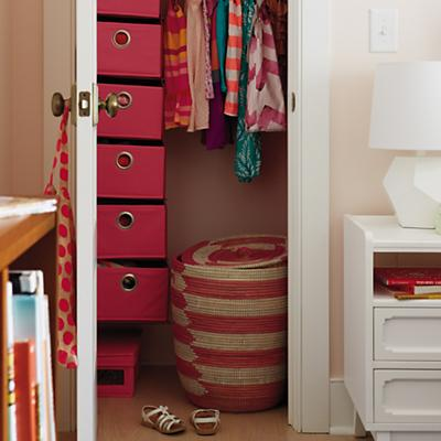 ClosetStorage_CharmingBasket_VIR_0813