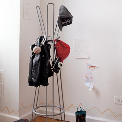 CoatRack_Wire_GY_VIR_Cat0712