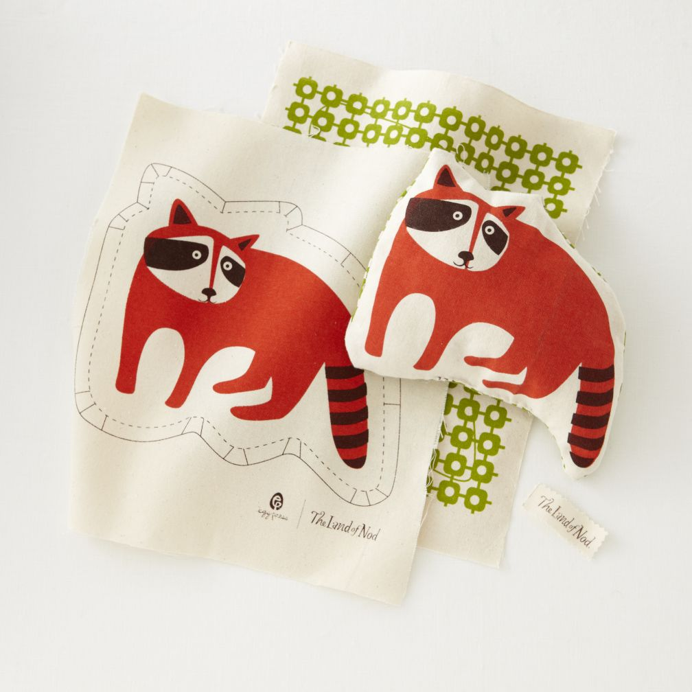 Pillow Stitch Kit (Raccoon)