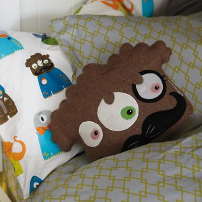 CreaturesBedding_MonsterThrow_VIR_Spring2013_Sp2013