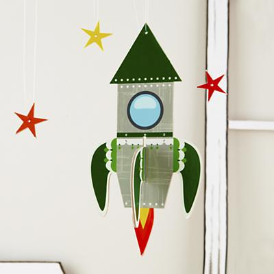 DEcor_Hanging_Rocket_GR_LL_R