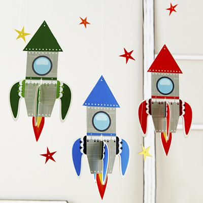 Decor_Hanging_Rocket_Group_R
