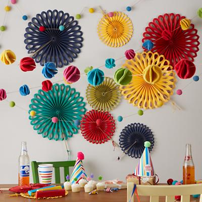 Decor_Rainbow_Garland_Group