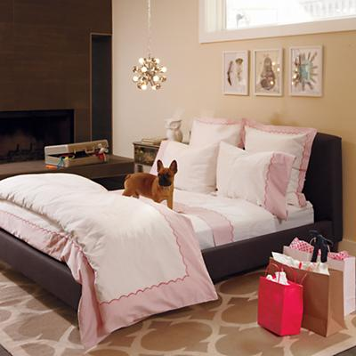 ExtendedStayPINKbedding_VIR_Cat0712