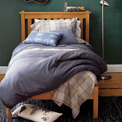 FacultyBedding_SimpleBed_Fall3