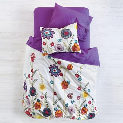 FreshStitchedBedding_Overhead_Fall32012
