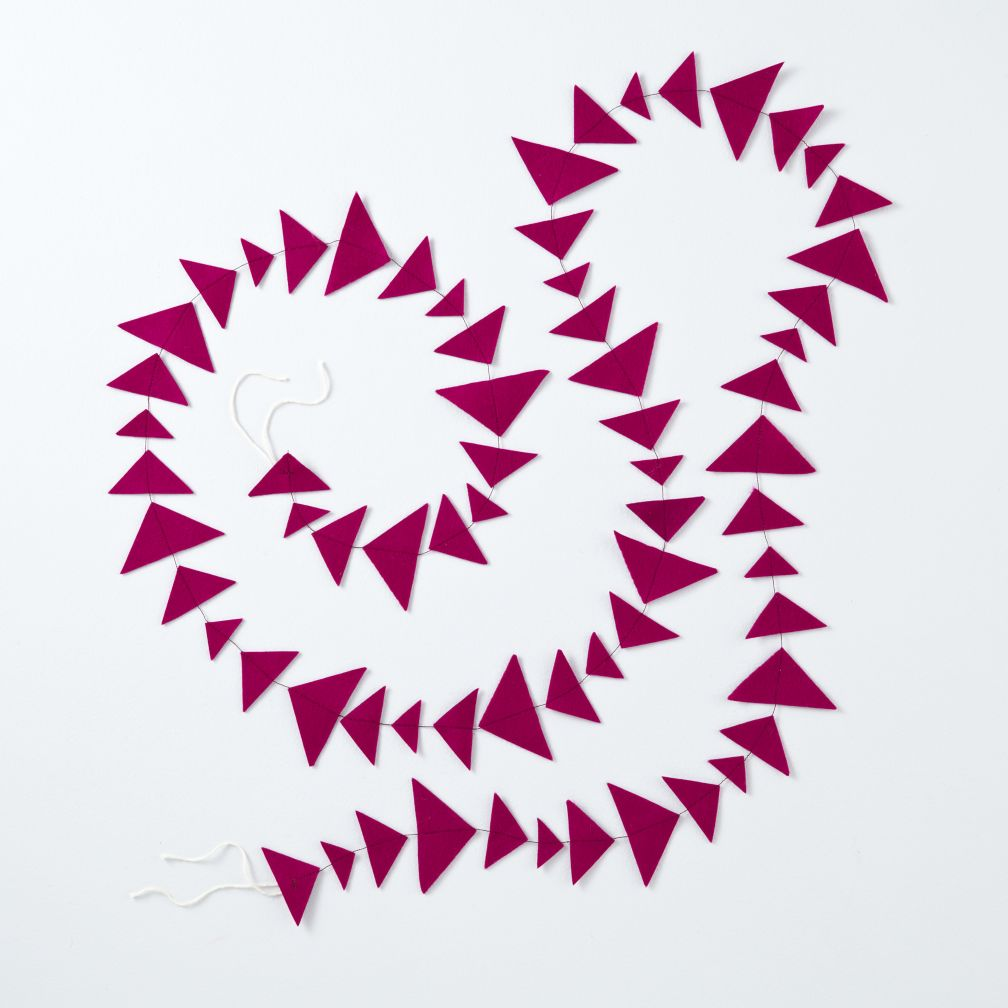 This Garland is Shaping Up (Magenta Triangle)