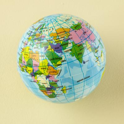 Gift_BouncingBall_Globe_0811