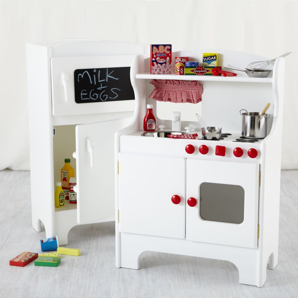 How To Make The Best Of Your Kitchenette: Kids Play Kitchen & Play Food
