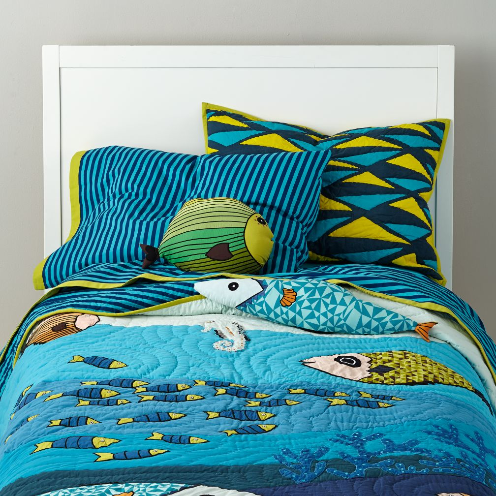 Oceanic Bedding