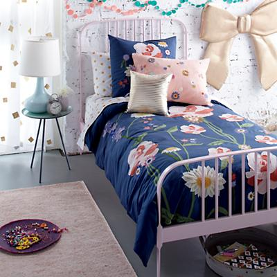 Larkin_Bed_Bouquet_Bedding
