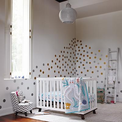 ModernCrib_MarineQnCribBedding_DotsDecal_Sp2013