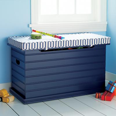 Navy_ToyChest_1009