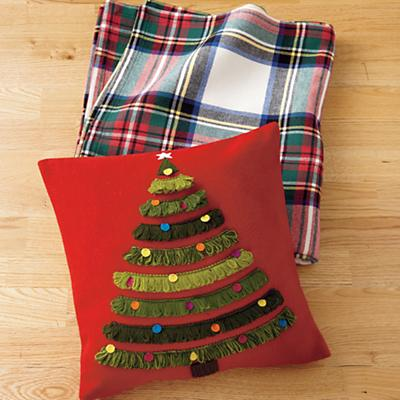Pillow_RedXmasTree_PlaidBlanket_Fall32012