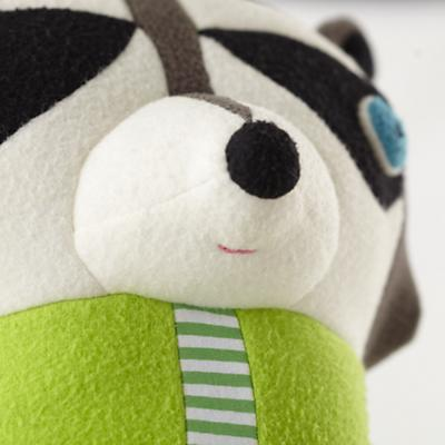 Plush_Raccoon_Dad_Detail_02