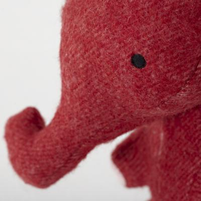 Plush_Wee_Wonder_Elephant_Detail_02