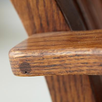 Rocker_Classic_Oak_Detail3_0112