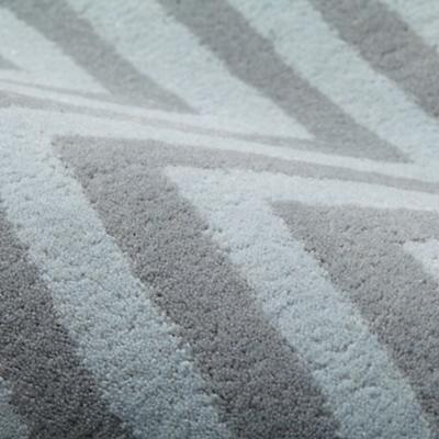 Rug_Cheveron_GY_Detail3_1201