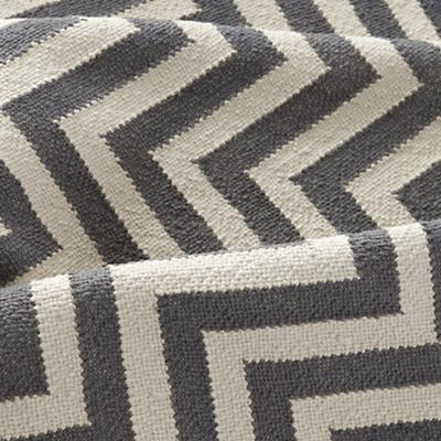 Rug_Chevron_GY_Details_2_LL_0412
